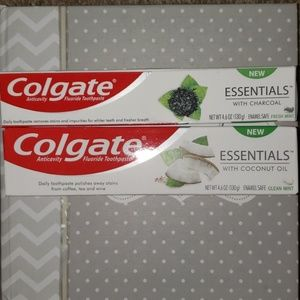 Pack of 2 colgate toothpaste charcoal and coconut!